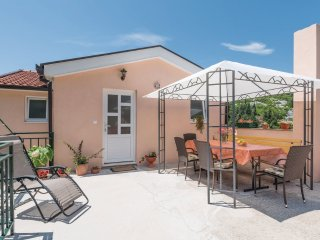 2 bedroom Apartment with Internet Access in Ploce - Ploce vacation rentals