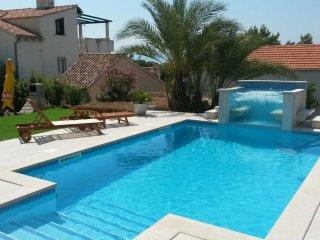 POOL HOUSE IN BOL, ISLAND BRAC - Bol vacation rentals