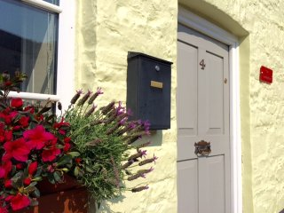 Traditional Welsh Beacons Cottage in Village - Sennybridge vacation rentals