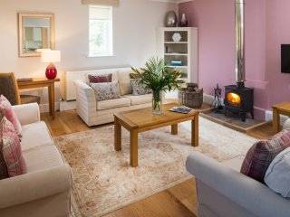 4* Gold Luxury Cottage - River Cottage - Howden vacation rentals