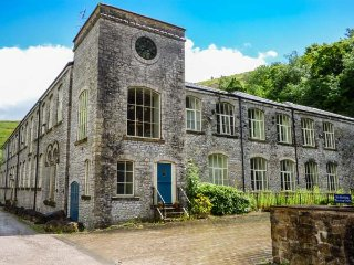 GREY HERON, superb apartment, en-suites, WiFi, walks from the door, river views, in Litton Mill, Ref 931447 - Litton Mill vacation rentals