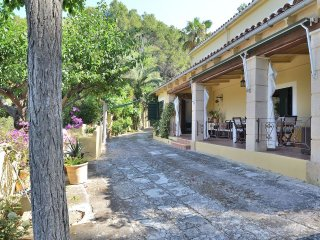Charming 4 bedroom House in S'Arraco - S'Arraco vacation rentals