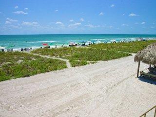 Casa Del Mar Resort - Right on the Beach ... A15 - Longboat Key vacation rentals