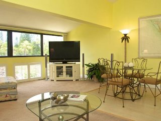 Casa Del Mar Resort - Courtyard View ... B18 - Longboat Key vacation rentals