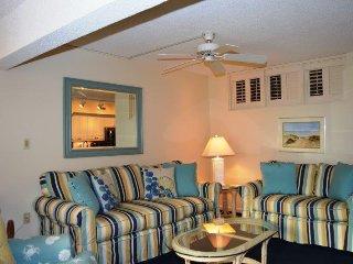 Casa Del Mar Resort - Poolside ... C01 - Longboat Key vacation rentals