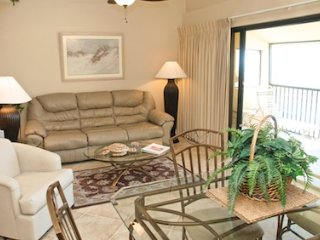 Bright 2 bedroom Condo in Longboat Key - Longboat Key vacation rentals