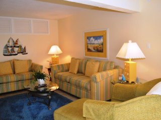 Casa Del Mar Resort - Courtyard View ... D06 - Longboat Key vacation rentals