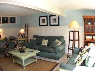 Casa Del Mar Resort - Couryard View ... F07 - Longboat Key vacation rentals