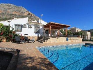 MJ00062 Traditional 4 bed 4 bath villa with pool - Javea vacation rentals