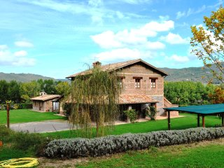 Bright House with Central Heating and Television - Acquapendente vacation rentals