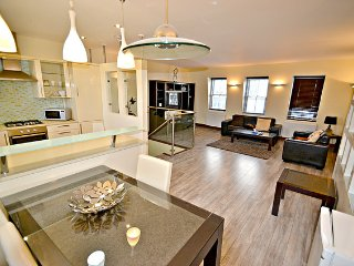 Three-Bedroom Apartment - London vacation rentals