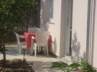 Comfortable 1 bedroom Betina Apartment with Television - Betina vacation rentals