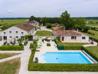 Le Studio - lovely, private first floor apartment - Brives-sur-Charente vacation rentals
