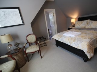 St. Andrews House, B and B, The Map Room - Niagara-on-the-Lake vacation rentals