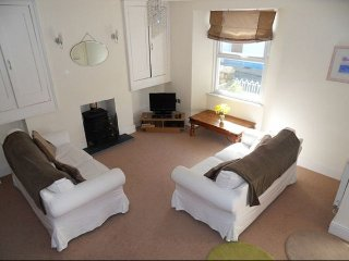 Lulu Stone close to the heart of Tenby & Beaches - Tenby vacation rentals