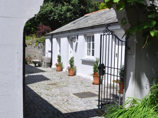 Secluded Retreat in the Heart of the Village. - Calstock vacation rentals