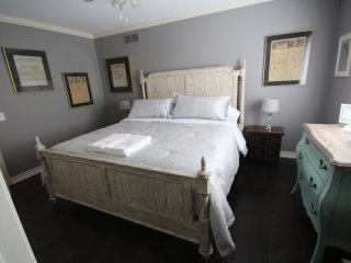 St. Andrews House, B and B, The News Room - Niagara-on-the-Lake vacation rentals