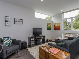 Hip Greenwood Townhouse with City Vistas from the Patio - Seattle vacation rentals