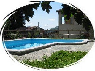 La Costa di Gavedo-Romantica Camera per 2-Dante 1 - Groppoli di Mulazzo vacation rentals