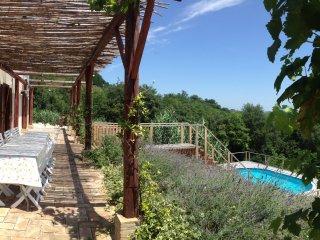 Comfortable 4 bedroom Montebello di Bertona House with Internet Access - Montebello di Bertona vacation rentals