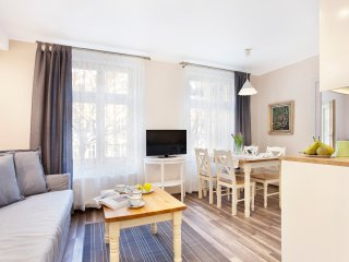 2 bedroom Apartment with Internet Access in Sopot - Sopot vacation rentals