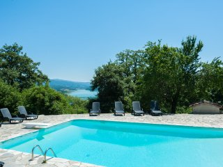 6 bedroom Tuscan farmhouse, pool and GREAT VIEWS - Caprese Michelangelo vacation rentals
