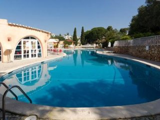 SUMMER OFFER Sunny Villa 2 Bedroom Algarve WIFI - Carvoeiro vacation rentals