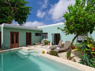 Airy, cozy haven in Mérida for couples, families - Merida vacation rentals