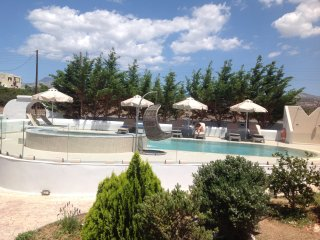 Villa Lux with pool - Kastraki vacation rentals