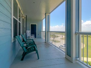 Dog-friendly bayfront condo w/ balcony, close to pools and hot tubs! - Galveston vacation rentals