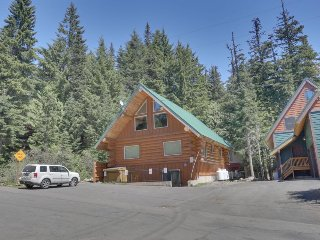 Two beautiful mountain cabins with hot tub, sleeps 30! - Government Camp vacation rentals