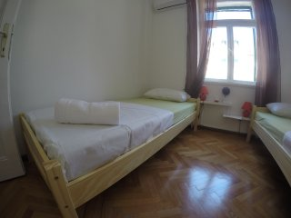 Suzaba Budget Room for Couples - Split vacation rentals