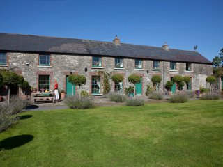 18th Centuary Boutique Villa's Stable Yard House - Athy vacation rentals