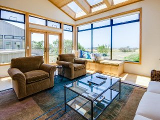 Ocean view dog-friendly home w/ private hot tub & shared pool - Sea Ranch vacation rentals