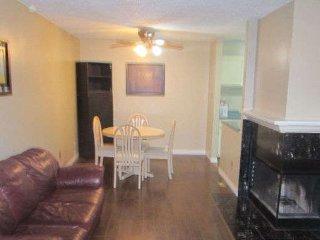 2 bedroom Apartment with Internet Access in Edmonton - Edmonton vacation rentals