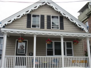 Cottage has A/C in 2017. Thank you, 2016 guests! - Newport vacation rentals