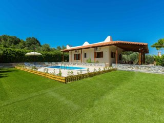 Gorgeous villa with pool & gardens - Agios Ioannis vacation rentals