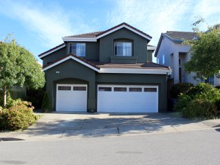 Beautiful, cozy single family 4 bedroom home - South San Francisco vacation rentals