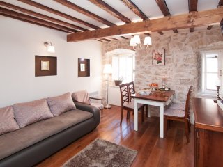 Lovely Condo with Washing Machine and Television - Skradin vacation rentals