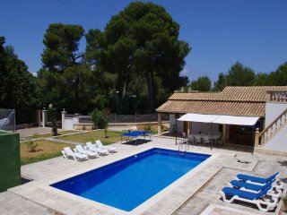 The pool house - IDEAL FAMILY HOME FOR HOLIDAYS - Alcudia vacation rentals