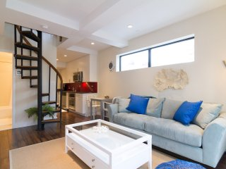 Fully Furnished Two Bedroom Apt ~ Midtown - New York City vacation rentals