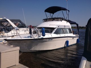 32'  Classic Yacht in Point Edward, ON - Point Edward vacation rentals