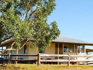 Jerakala Farmstay Bed & Breakfast - Mundubbera vacation rentals
