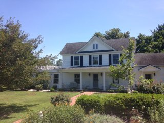 Waterfront 5BR Farmhouse w/pool & 2BR/1BA cottage - Kilmarnock vacation rentals
