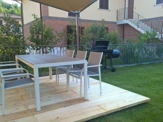 Apartment 7 sleep, garden, garage,wifi - Roè Volciano vacation rentals