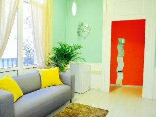 Cozy Flat in Sant Antoni - Barcelona vacation rentals