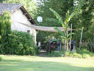 Nice House with Internet Access and Television - Saint-Antoine-Sur-L'Isle vacation rentals