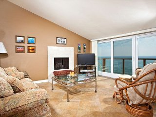 2 Bedroom, 2 Bathroom Vacation Rental in Solana Beach - (SUR73) - Solana Beach vacation rentals