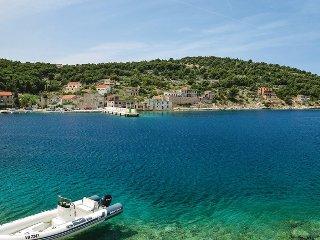Beautiful Zirje Studio rental with Internet Access - Zirje vacation rentals