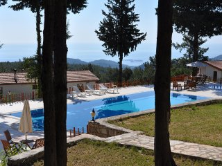 Beautiful Chalet with Patio and Washing Machine - Beycik vacation rentals